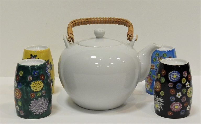 Japanese Teapot and Cups, ca 1990. Generously Loaned by Cynthia Aki and the Golden Lotus Foundation.